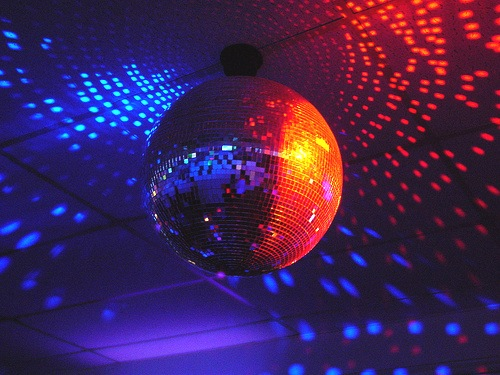 disco-ball-fickr-sabastianniedich